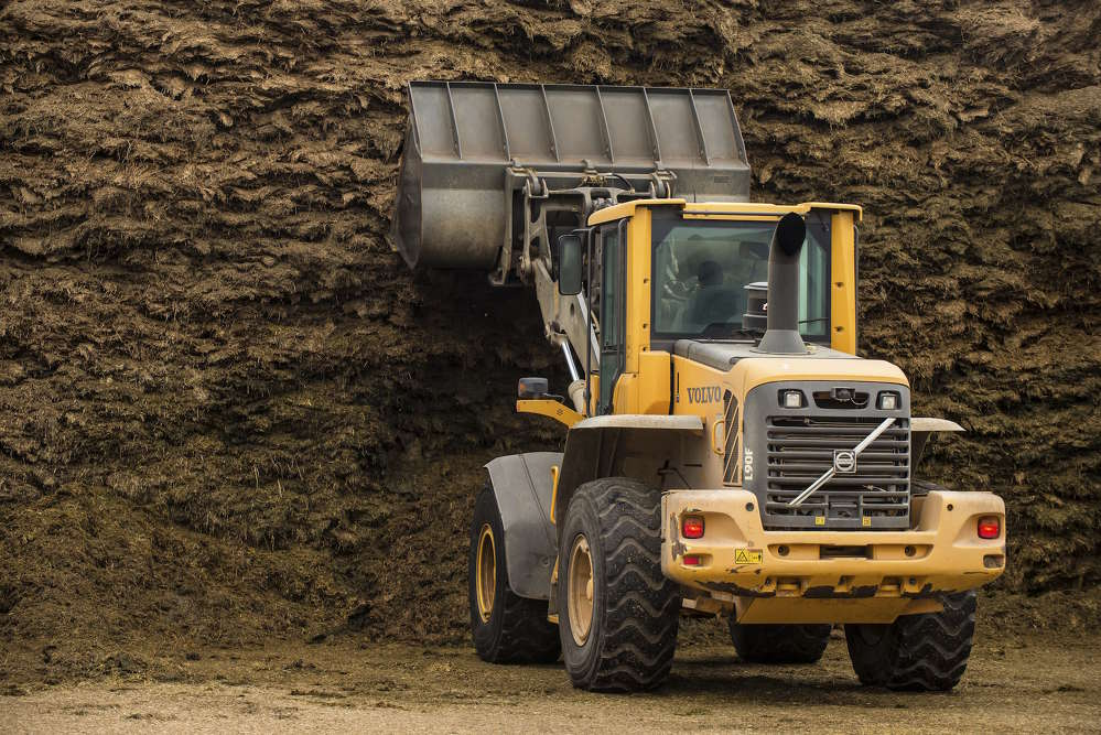 Volvo's TP-linkage, attachment bracket and genuine Volvo attachments make the flexible L90F wheel loader the perfect machine for all of Still Meadow's applications.