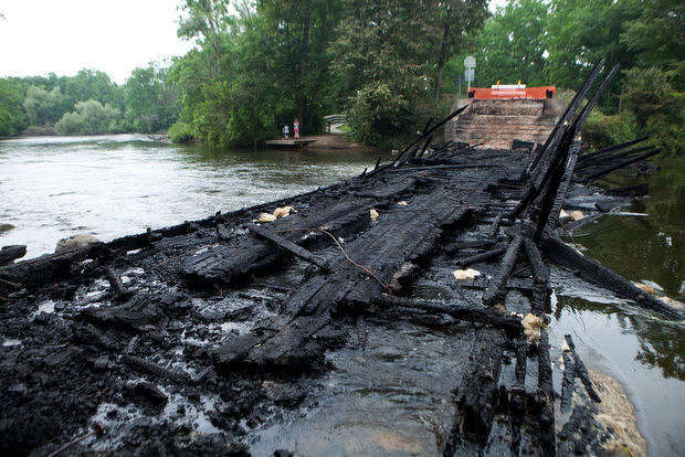 Whites Bridge after the fire. http://url.ie/11okd