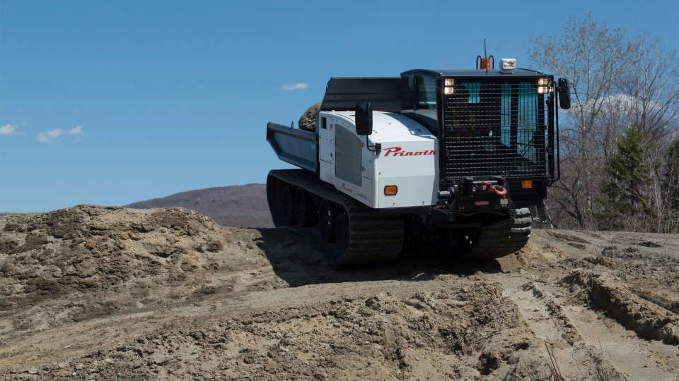 The Panther undercarriage system is equipped with rubber tracks and a high travel large wheel/tandem that were developed to work together to provide off-road capabilities with minimal impact on the environment.