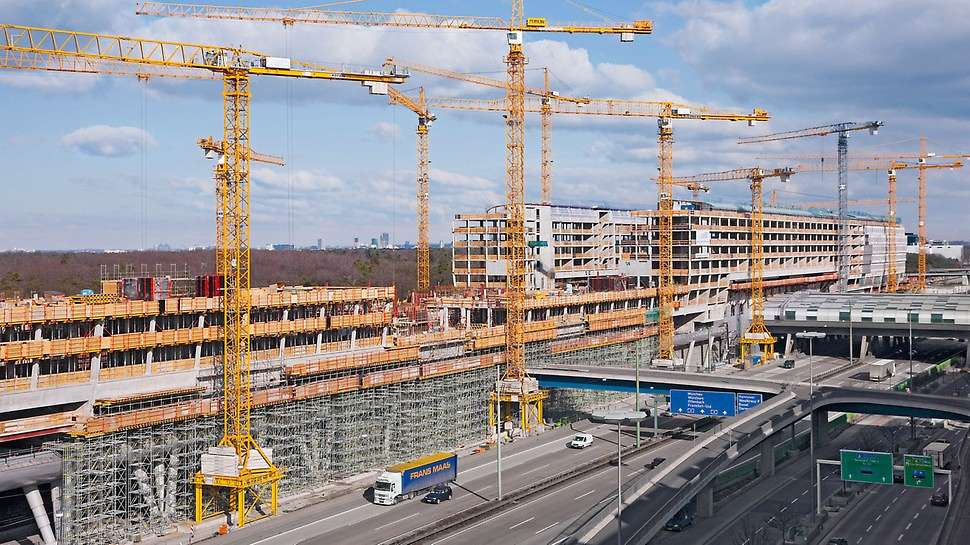 Construction site in Frankfurt, Germany. http://url.ie/11p1c