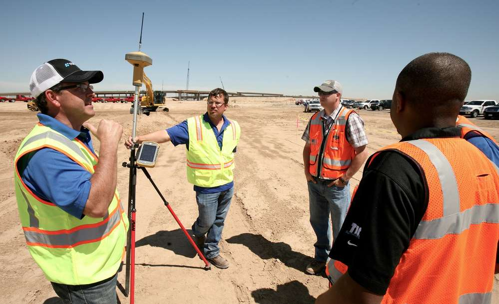 The Topcon Professional Services team has been created to integrate training, customer support and sales support into a single resource intended to help its customers adopt and apply new technologies as they emerge. The professional services team includes more than 40 applications experts from the surveying, construction, civil engineering, networking and mapping fields.