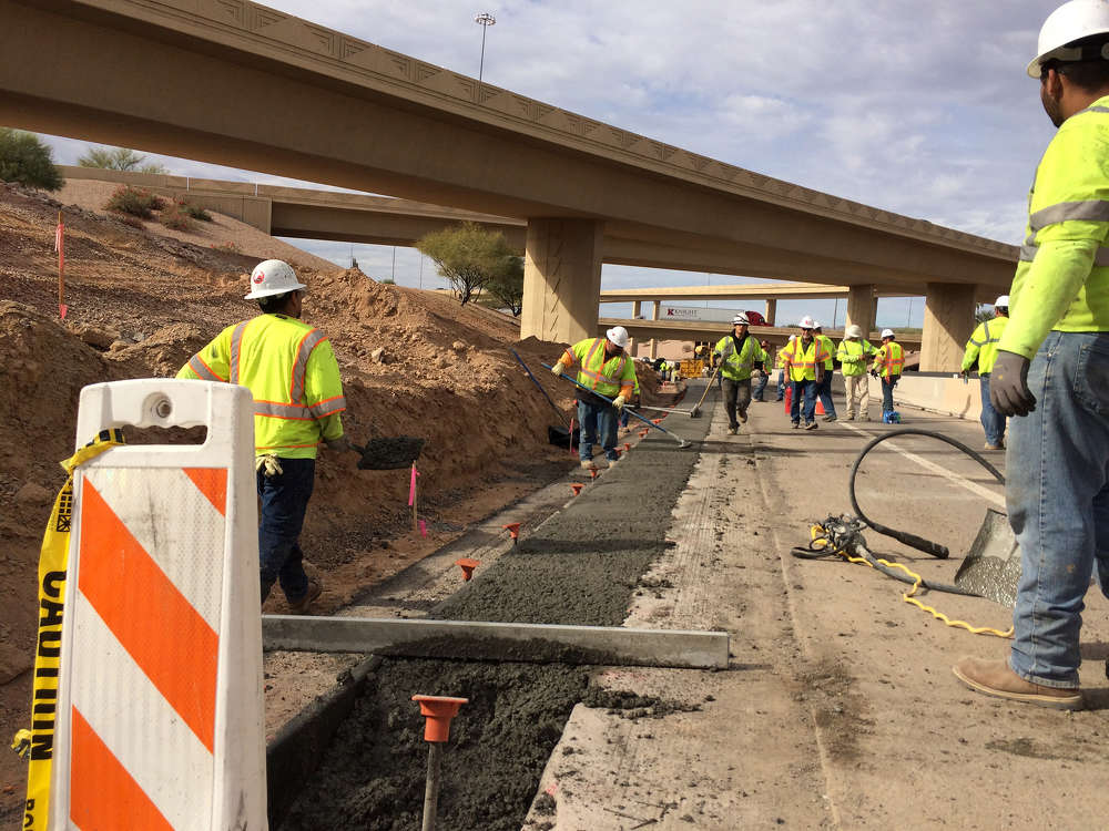 Crews working on the first phase of the Loop 202 South Mountain Freeway project widened the shoulders and extended the existing Loop 202 high-occupancy vehicle lanes.