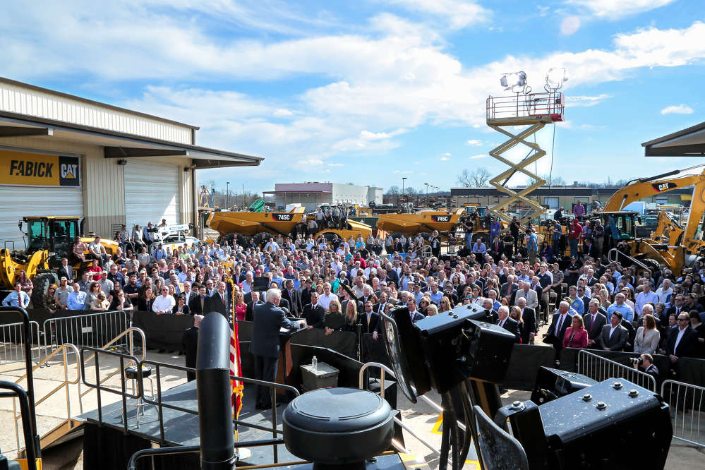 Vice President Pence addresses a crowd of more than 400 Fabick Cat employees and invited guests.