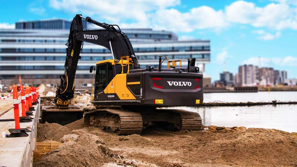 The MSS400 Series Sensors incorporate SP Technology that allows faster digging without loss of precision at higher speeds for even more productivity from your excavator machine control solution.