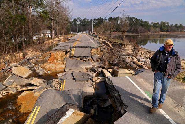 Flood-damaged roads in South Carolina. http://url.ie/11pj1