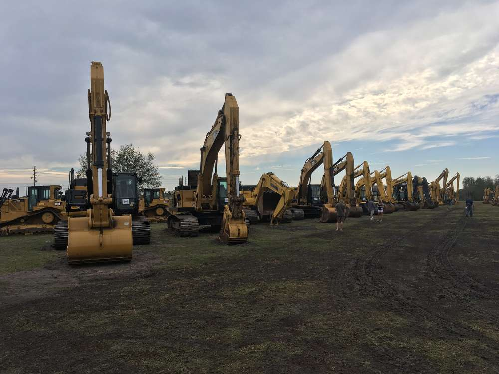The auction featured a great lineup of Caterpillar excavators.