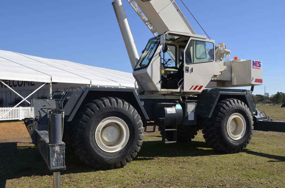 The IronPlanet/Cat Auction Services Florida auctions are not limited to Cat equipment — the sales also included a great lineup of cranes, lifts and attachments.