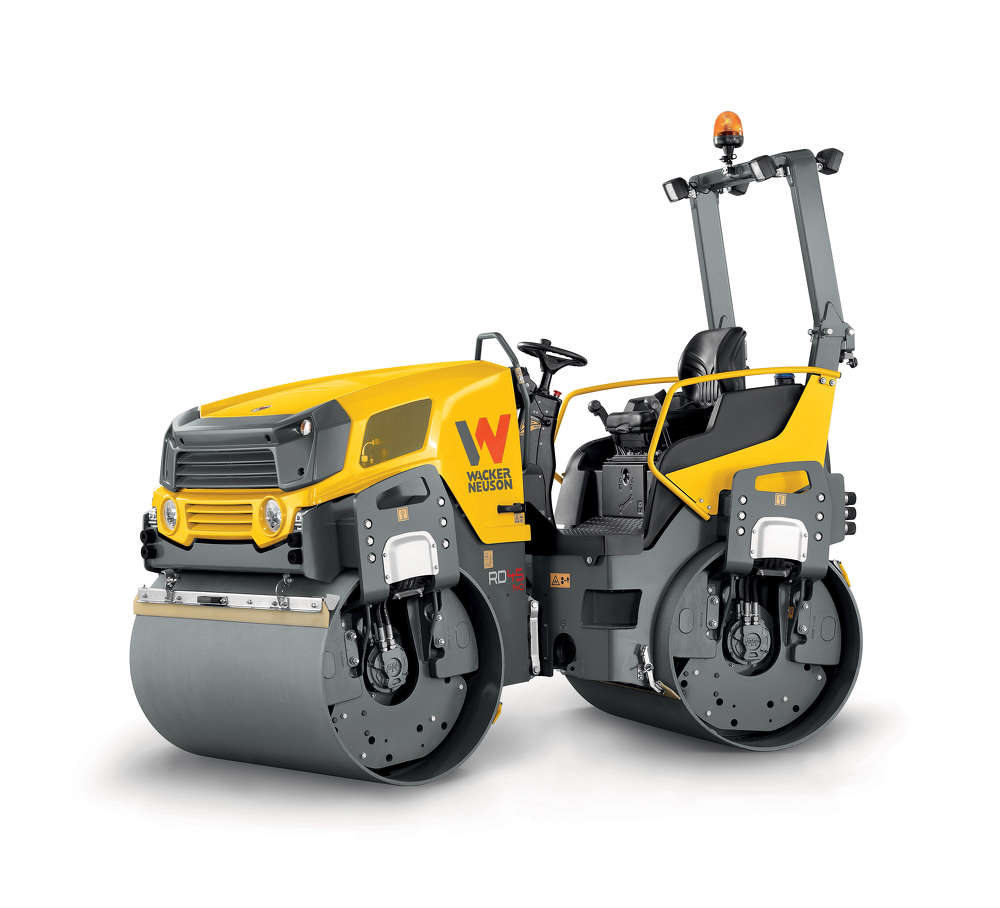 In the 4-ton class, contractors can choose the RD40 with its 51.2-in. (130 cm) drum width and the 4.5-ton RD45 with a 54.4-in. (140 cm) wide drum. These models also are available as traditional tandem rollers, tandem rollers with oscillation drum or combination rollers.