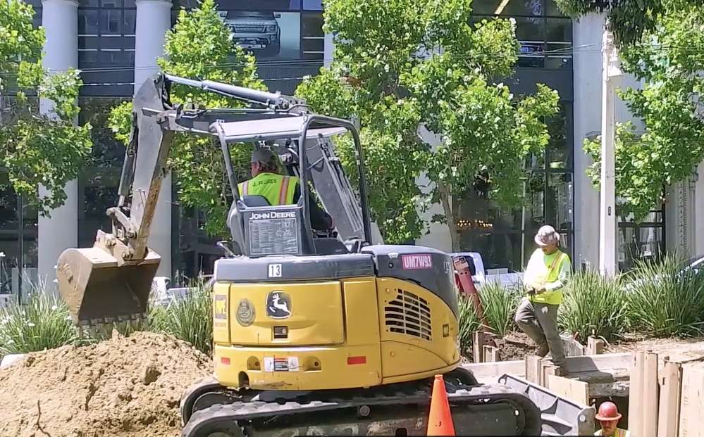 The existing water and sewer networks beneath Van Ness are more than 100 years old and near the end of their lifecycles. Failures of these networks can lead to extended service interruptions and cause sinkholes in the roadway.