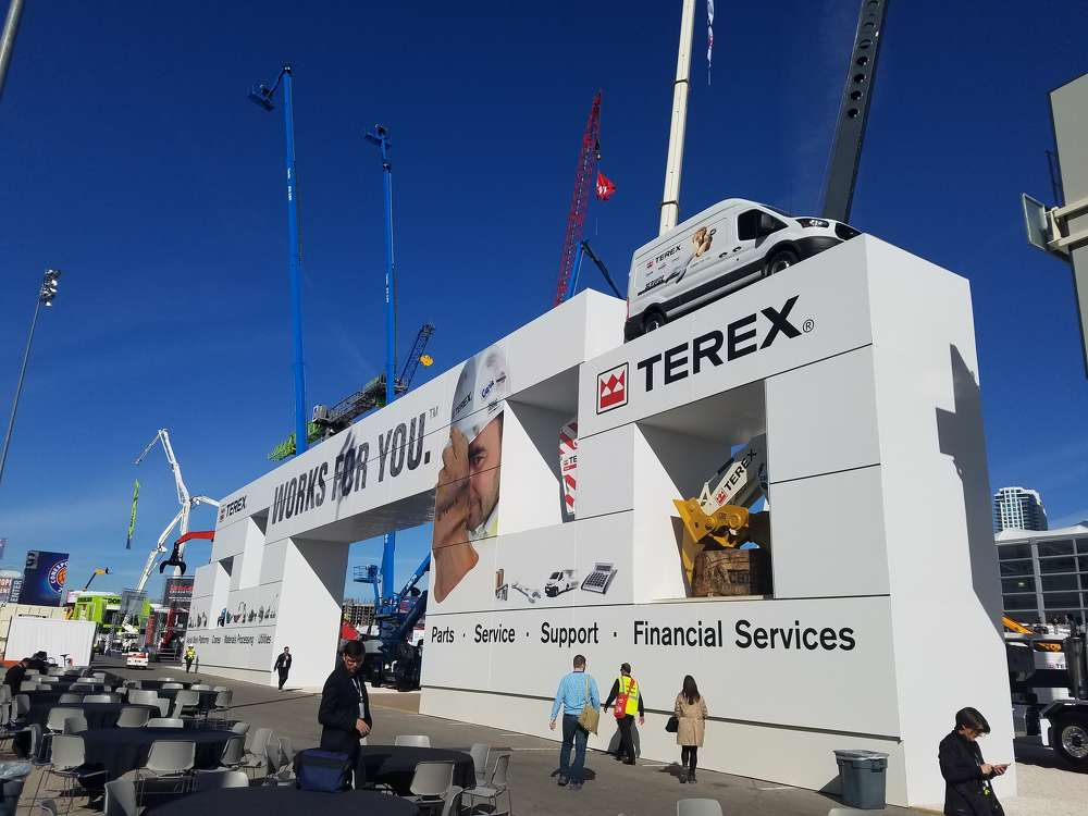 Terex Trucks had an attention-getting gateway to its exhibit in the Gold Lot.