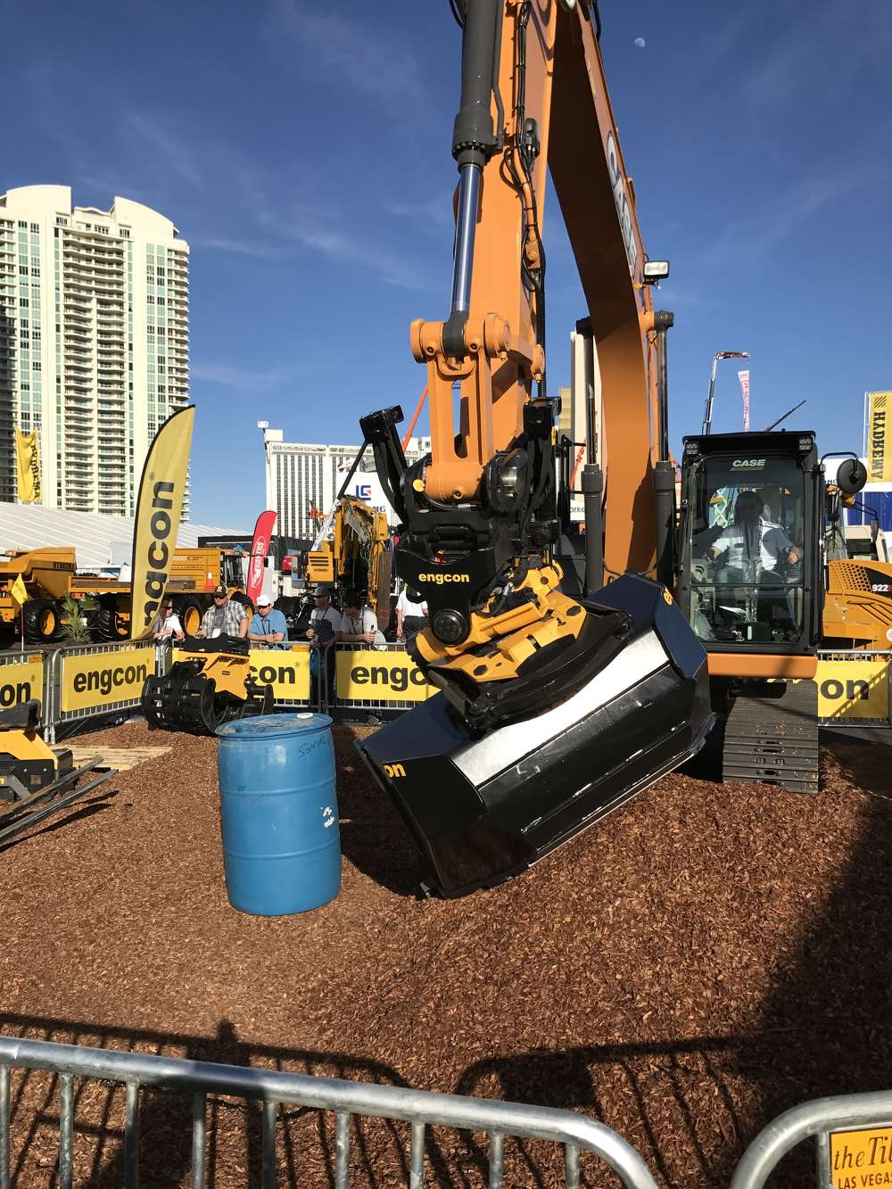 Engcon showed off its Tiltrators and Q-Safe quick coupler with EC-Oil automatic connection at ConExpo.
