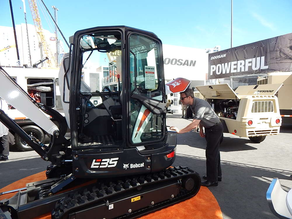 The new Bobcat R-Series compact excavators provide enhanced stability, increased operator comfort and wide-open access to the engine and daily maintenance checks.