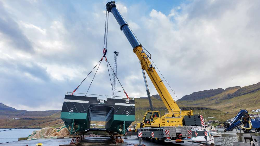 The Grove GMK5250L crane is a new addition to the ArtiCon fleet in the Faroe Islands.