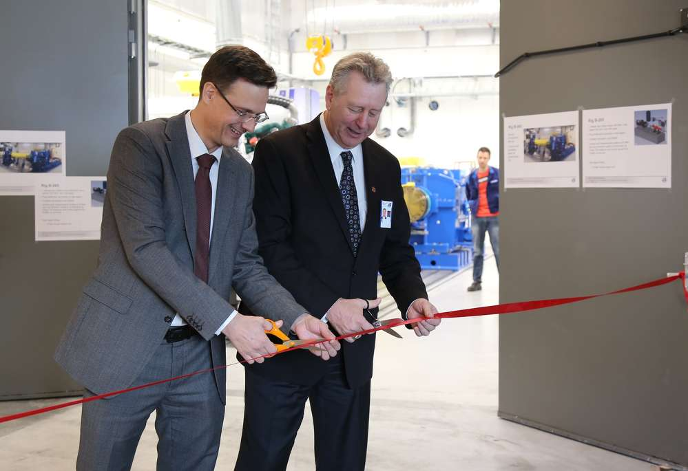 From left: Peter Österberg, vice president of Core Technologies at Volvo CE, and Dave Ross, vice president of Advanced Engineering at Volvo CE, officially open the company's new driveline test facility in Eskilstuna, Sweden