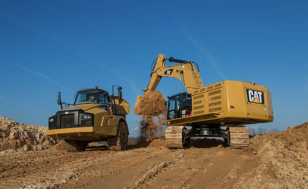 Cat Grade with Assist and Cat Payload are now available direct from the factory on several F Series excavator models sold in North America and other regions.