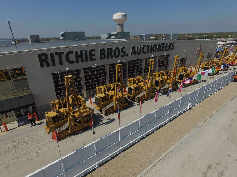 Ritchie Bros photo Ritchie Bros. sold equipment for a site record: more than 690 sellers, including more than 100 hydraulic excavators; more than 600 vocational trucks; more than 670 trailers; and a large selection of oil and gas equipment.