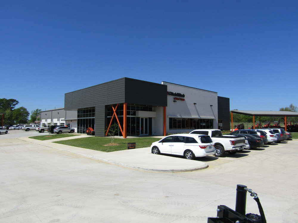 The Knuckleys welcomed customers to an open house at the new Ditch Witch of East Texas facility in Tyler.