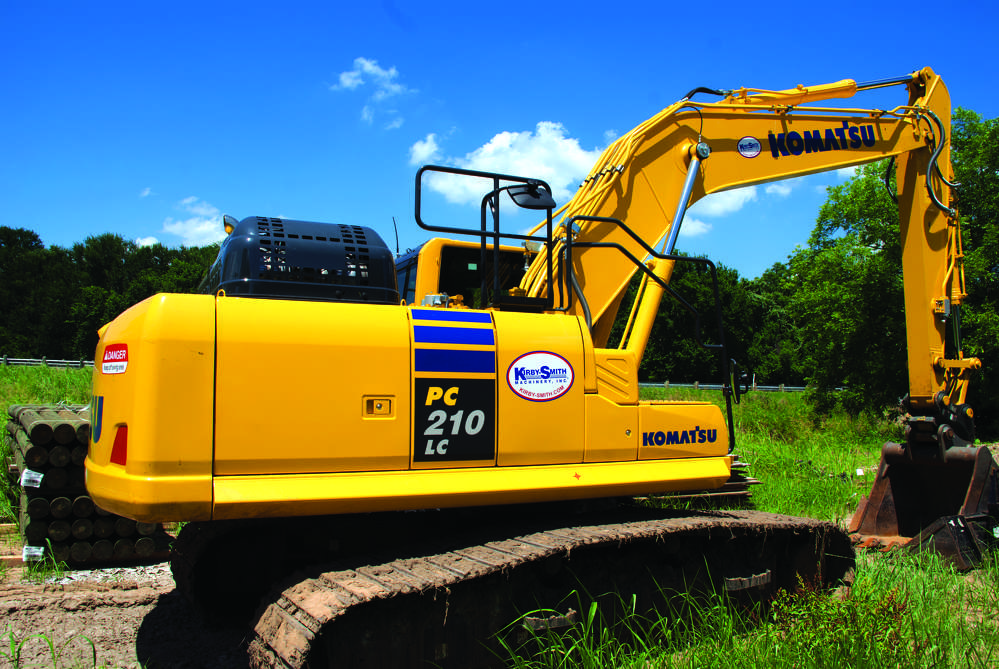 West Texas Rebar Placers uses its Komatsu PC210LC-10 excavator for multiple applications.