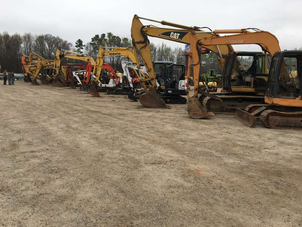 The auction featured a variety of excavators from Kubota, Bobcat, Komatsu, John Deere and others.