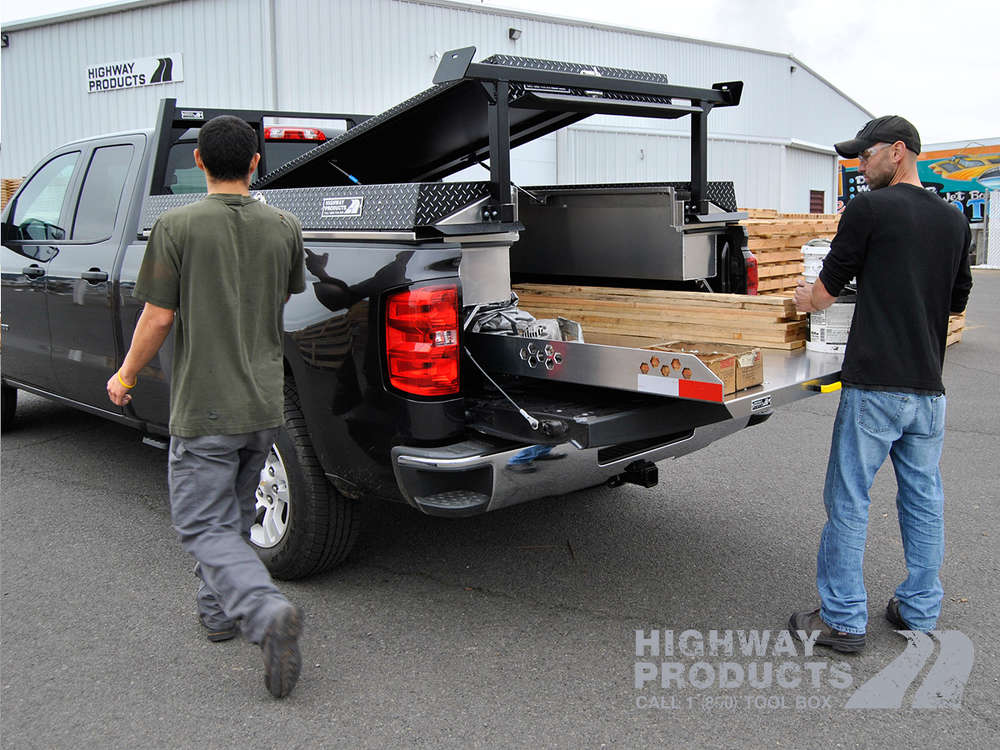 This pack can be combined with standard add-ons such as the truckslide, a headache rack or gull wing tool box.