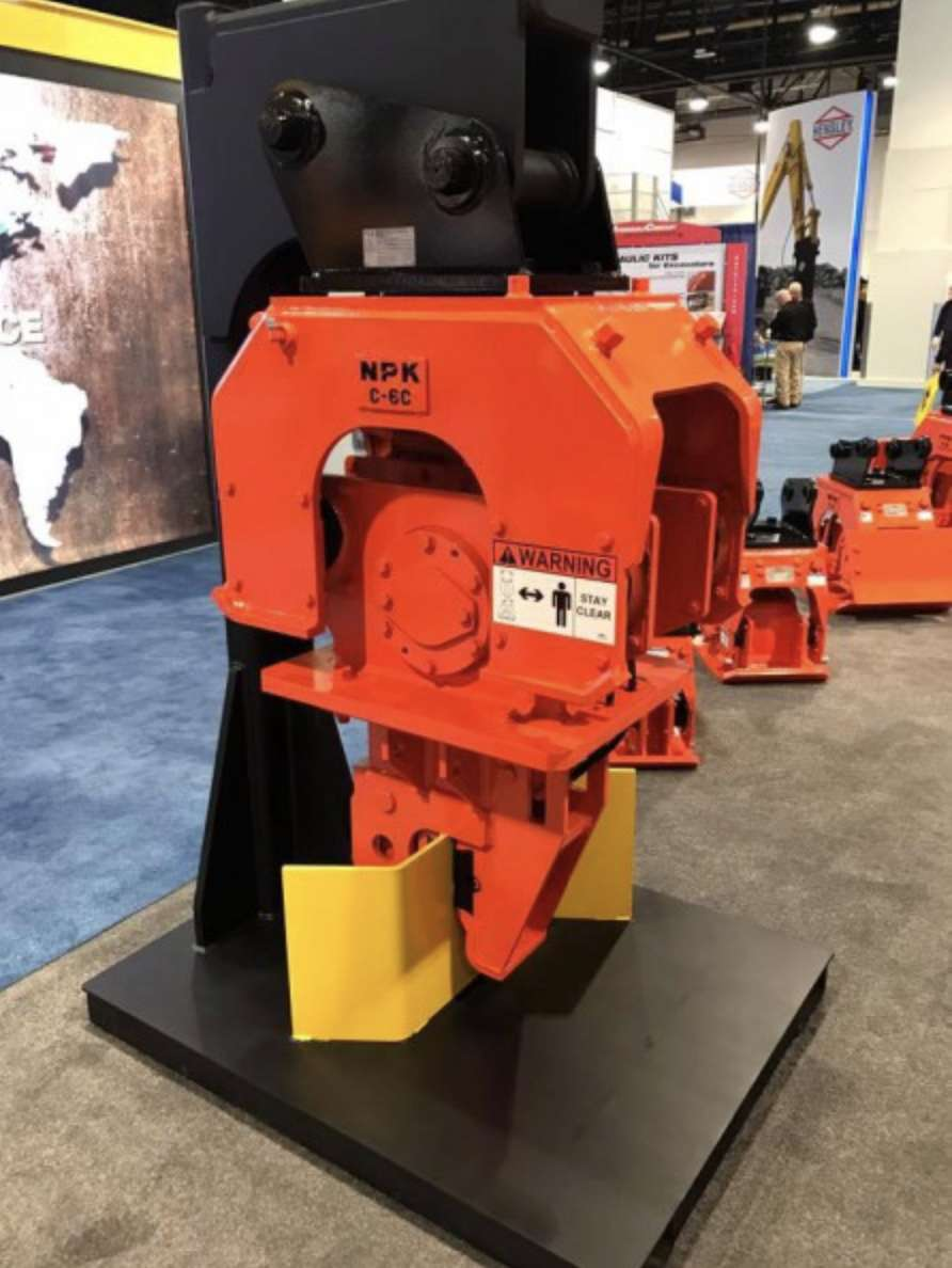 On display at ConExpo 2017 – C6-CSD sheet pile driver.