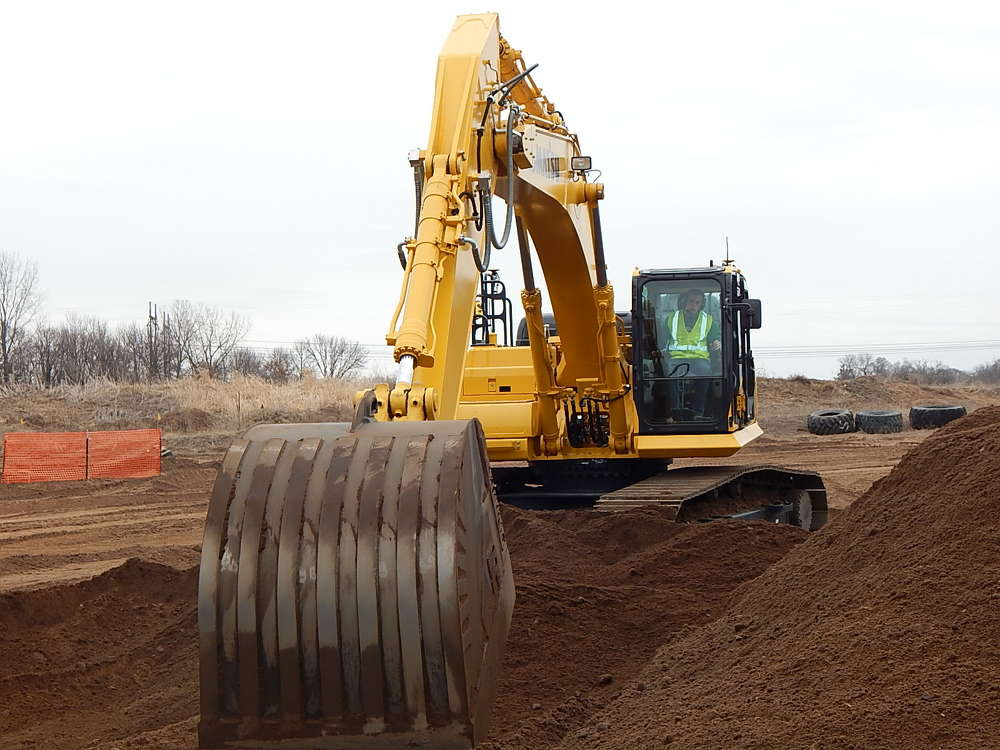 Extreme Sandbox hosted the RMS Road Machinery & Supplies Co. iMC Demo Day event on March 23 in Hastings, Minn.