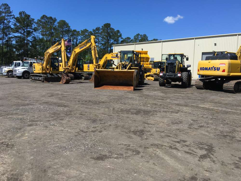 The latest wheel loaders, excavators and dozers from Komatsu were on hand for the guests to try out.