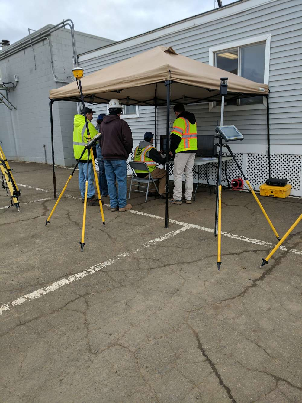 Operators try their hand at the newly released Trimble Earthworks excavator simulator before heading out to the field to test the real thing.