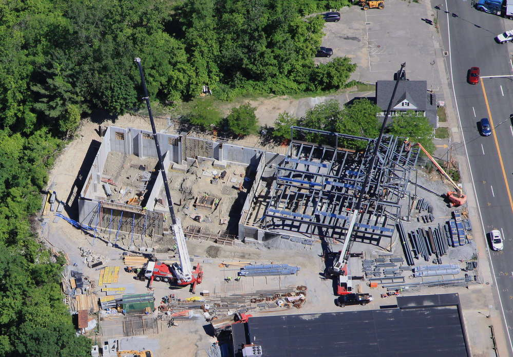 Brunoli began placing the steel beams in April 2016.