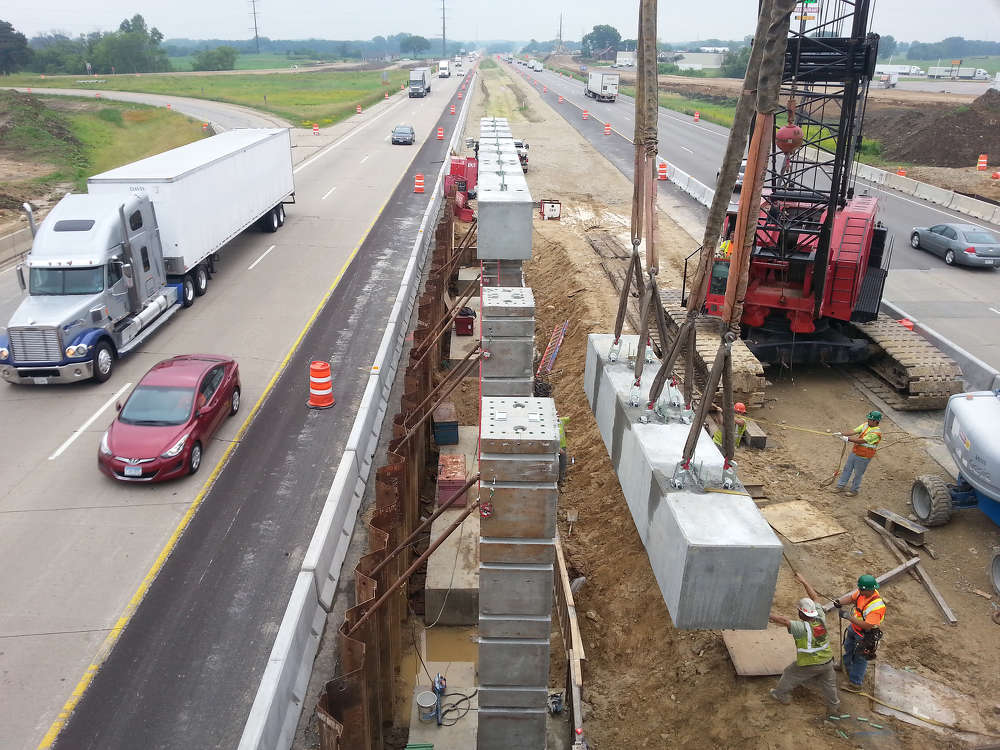 The Wisconsin Department of Transportation's (WisDOT's) $1.2 billion reconstruction and expansion of Interstate 39/90 in south-central Wisconsin is well under way.