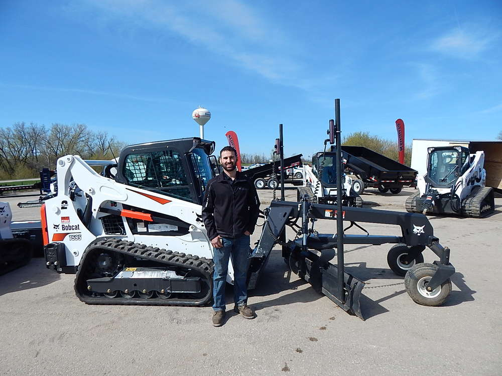 Dan Cox, parts manager, Farm-Rite, Willmar, Minn., traveled from his home store for the event.
