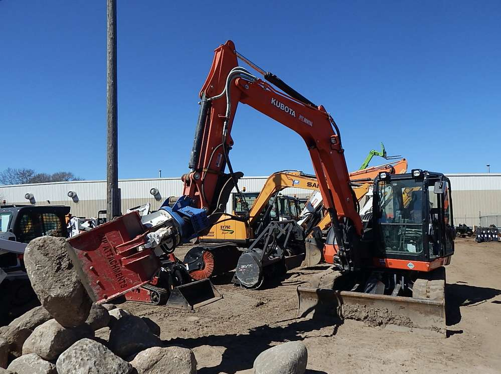 Rob Basara, rental manager, Lano Equipment, Anoka, Minn., talks about the features of a CMP grapple on a Kubota KX080-4 excavator.