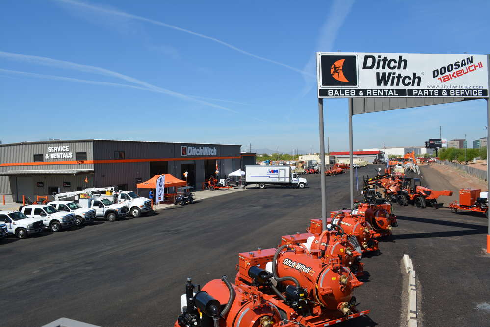 The recently completed service area of Ditch Witch of Arizona sits along busy I-10 with its 250,000 cars per day.