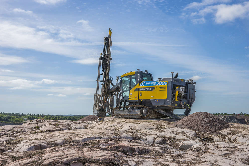 To demonstrate the performance and fuel efficiency of the SmartROC series of surface crawler rigs, Atlas Copco set out to drill 328 ft. (100 m) in less than two hours and less than roughly 10.5 gal. (40 L) of fuel.