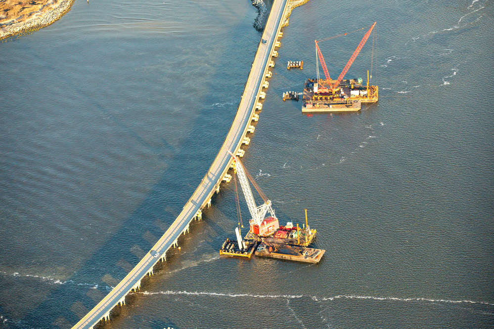 Spanning across the Oregon Inlet, the new 2.8 mi. long bridge, like the one in use today, will connect Bodie Island and Hatteras Island.