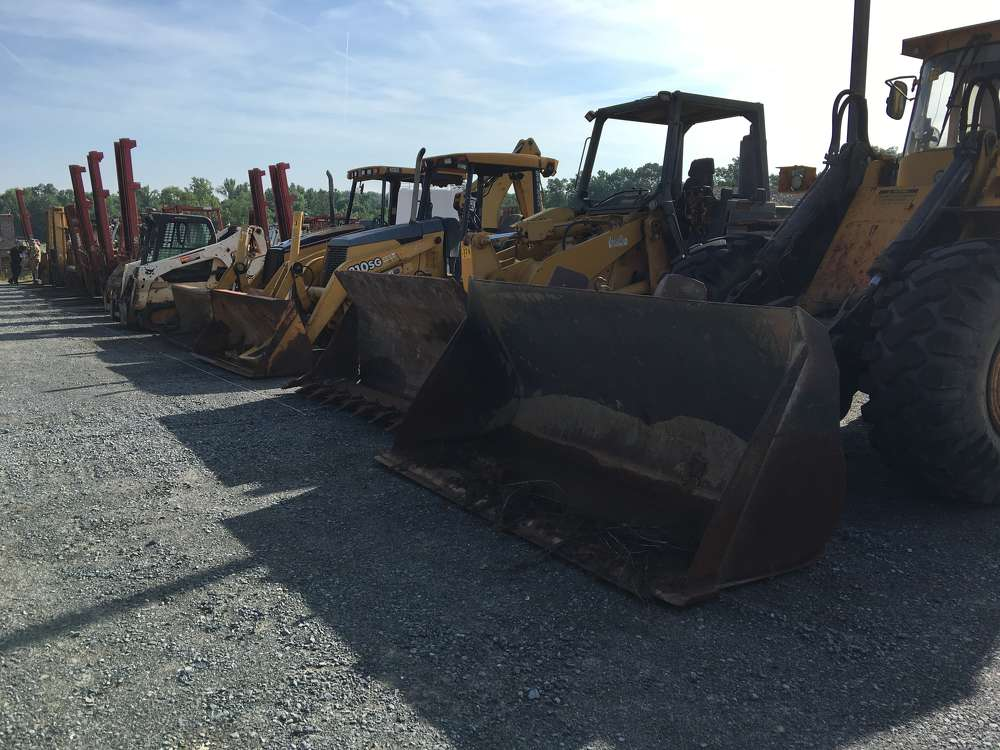 The auction featured a variety of machines including wheel loaders, backhoes, forklifts and more.