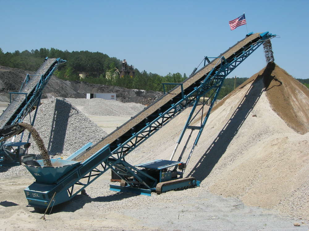 At the heart of the mobilized system is a Powerscreen 300 mobile crusher with Warrior 800 mobile screening plant, and two 75 ft. mobile conveyors.
