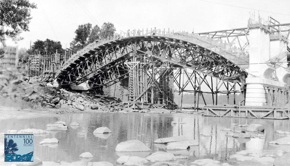 The Gervais Street Bridge under construction in Columbia in 1927. (SCDOT Photo Archive)