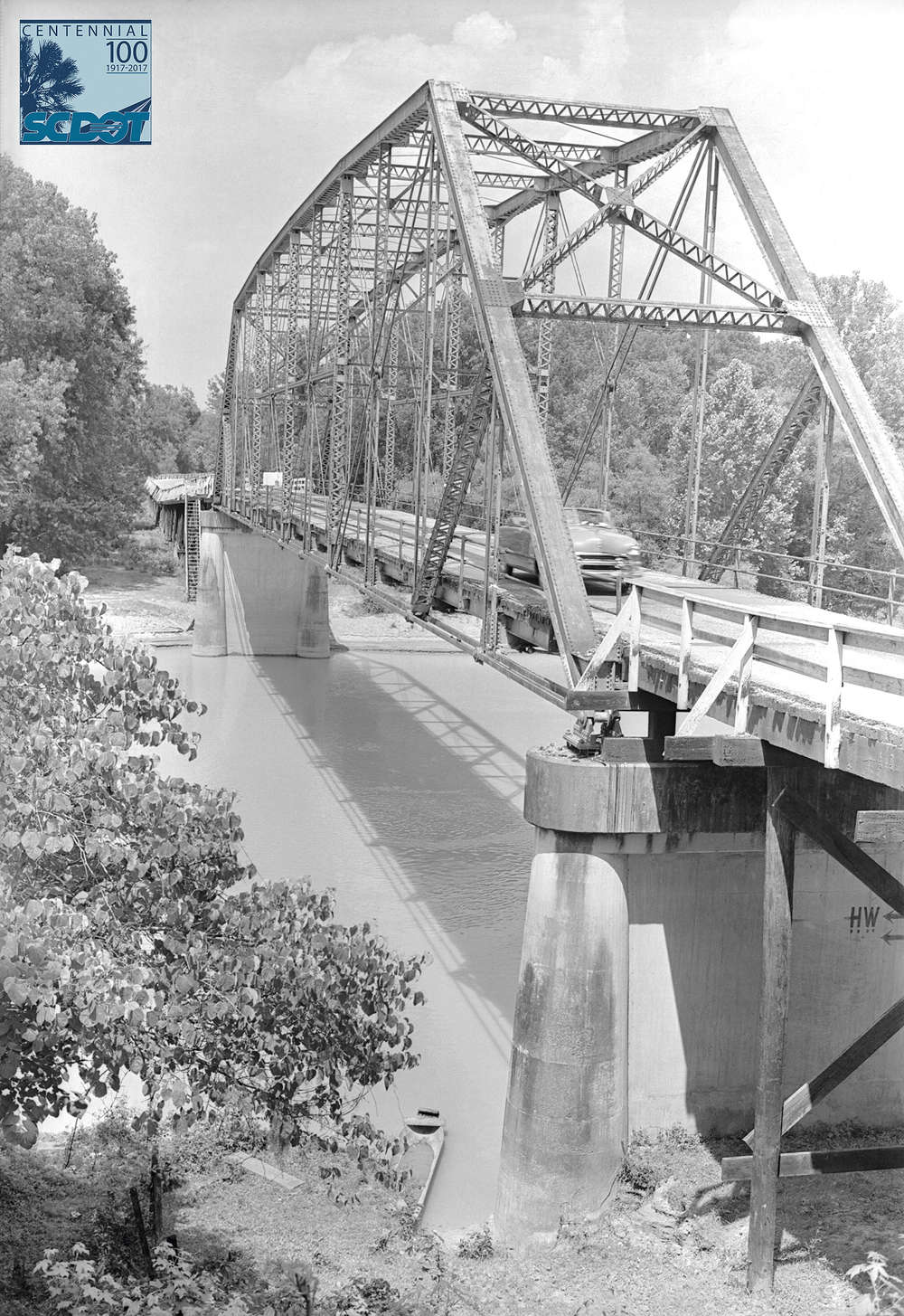 Godfrey's Ferry Bridge (U.S. 378) over the Great Pee Dee River, bordering Florence and Marion counties, in 1951. (SCDOT Photo Archive)