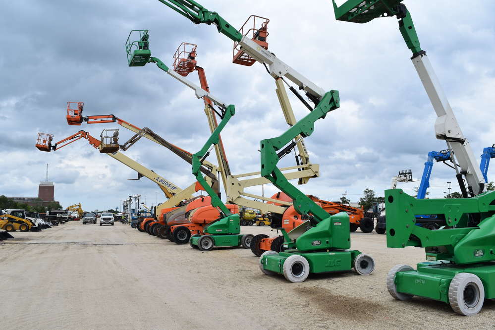 Bidders had many lifts to choose from at the Alex Lyon & Son sale in Atlantic City.