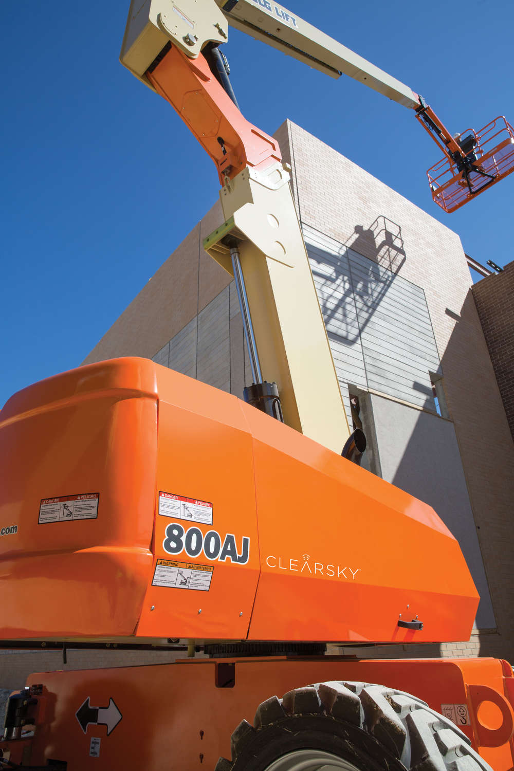 ClearSky is offered as a factory-installed option for new JLG machines or as an aftermarket installation kit to retrofit JLG products in the field.