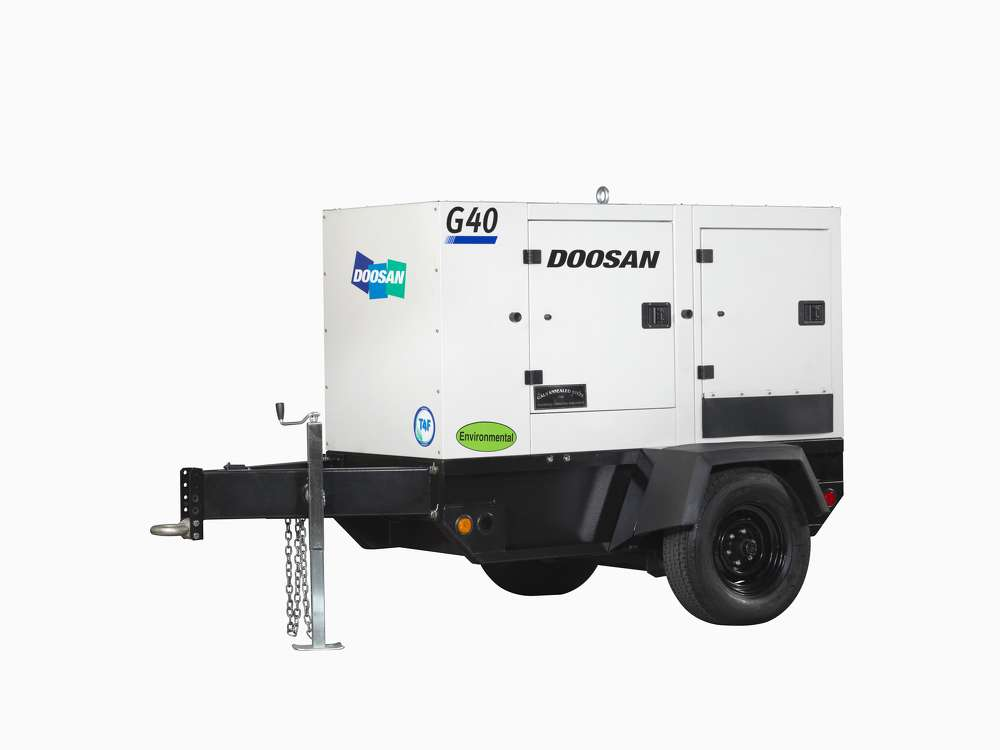 Rated with prime power output of 39 kVA, the G40WDO mobile generator fills the position between the Doosan G25 and G50 generator models.