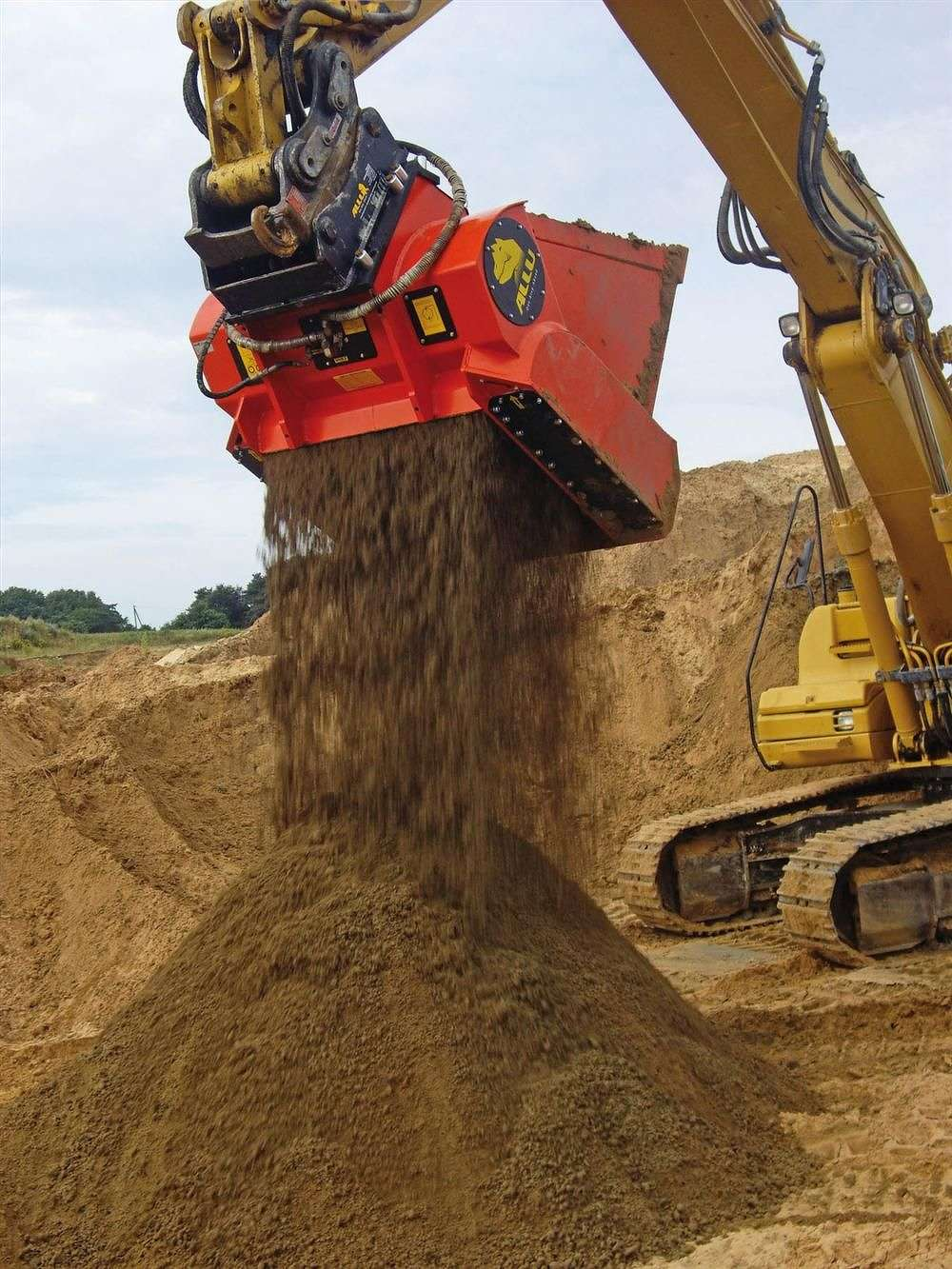 The suit concerned technology relating to ALLU's Screening, Crushing, or Mixing Buckets.
