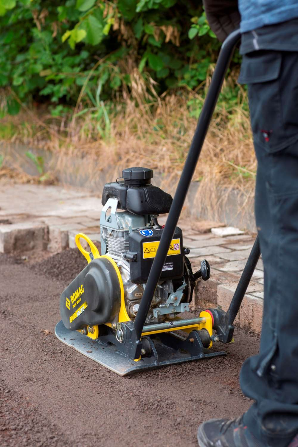 Bomag reports that their single direction vibratory plate compactors are great tools for contractors' day-to-day use in soil and asphalt repair and maintenance compaction applications.