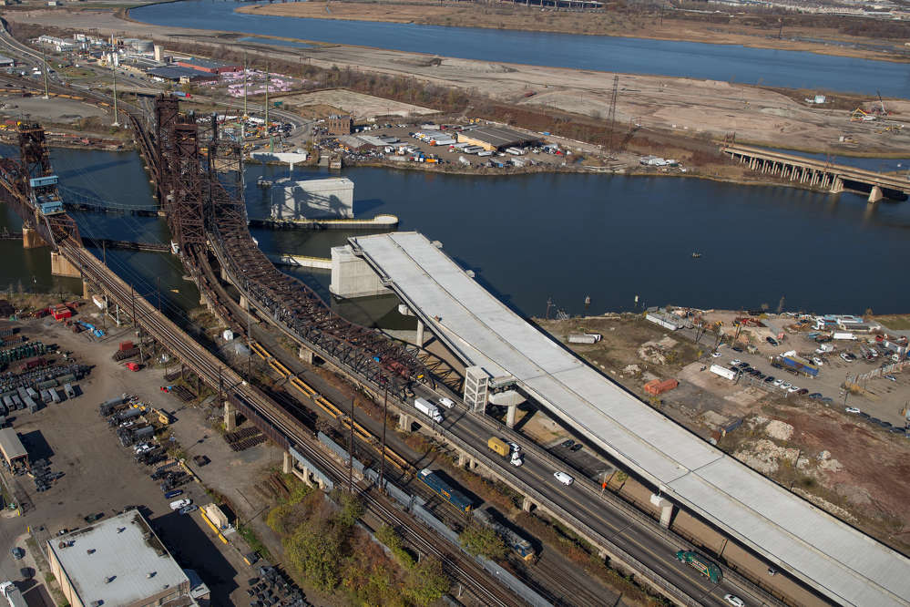 Route 7 is considered a crucial component of the NJDOT Portway Corridor, allowing traffic from the west to gain access to the Holland Tunnel and New York City, as well as business and industrial areas within Jersey City.