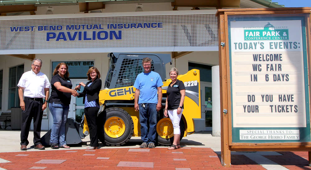 Manitou Americas Inc. delivers a Gehl skid loader to Washington County Fair Park and Conference Center.