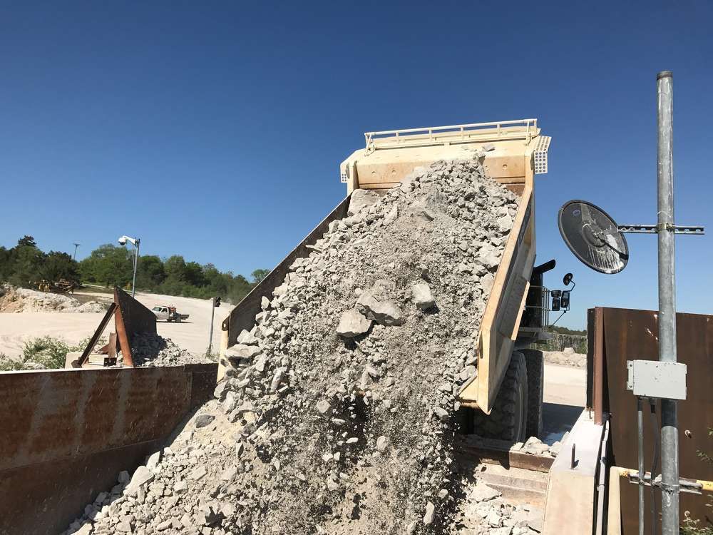 Designed to aid maximum production with minimum effort, the machine is working 10-hour days hauling crushed limestone from the face of the quarry to the crusher.