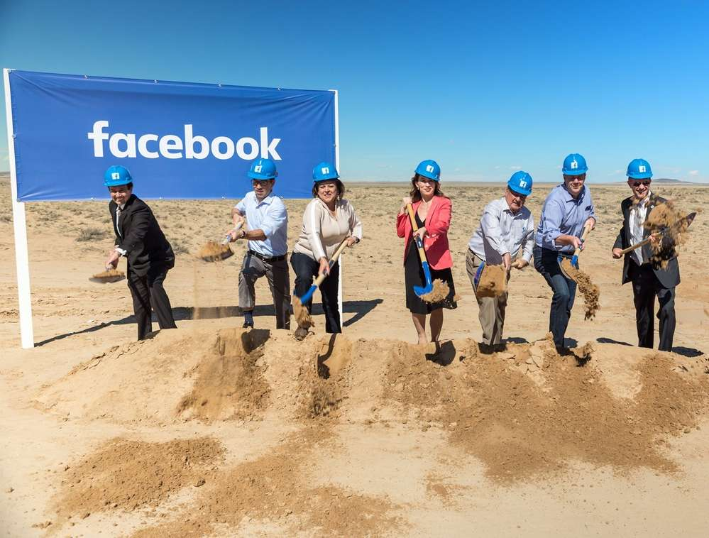 City and state officials at the groundbreaking of the New Mexico data center.