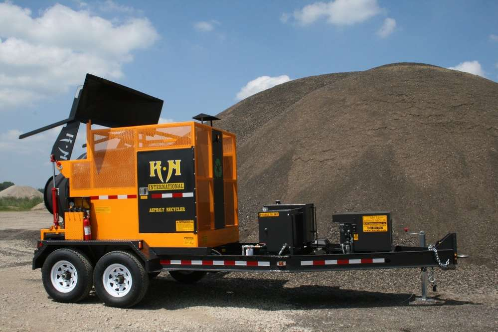 Southeastern Equipment Co. Inc. announced that the full line of KM International road maintenance products is now available at its Fort Wayne and Indianapolis, Ind., locations.