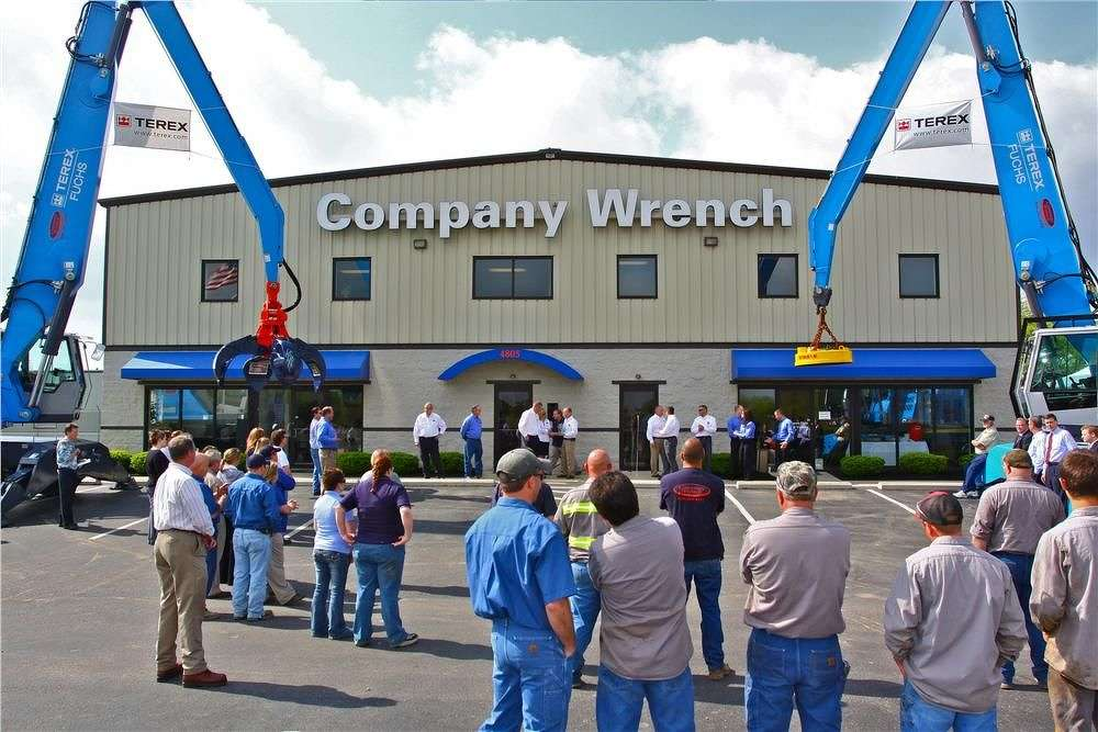 Company Wrench provides specialized conversion services, manufacturing ultra-high-reach demolition machines that extend up to 100 feet, and customizes machines to accept scrap and demolition attachments.